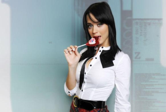katy_perry_lollipop_oral