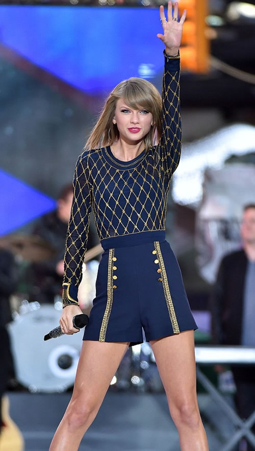 Taylor Swift sexy blue shorts blue and gold top